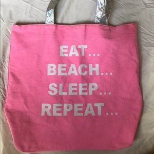 Handbags - 🖤BEACH BAG TOTE